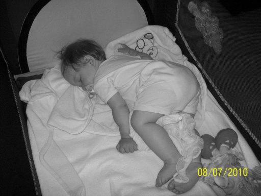 do bialego spij dnia spij dziecino, oczka zmruz spij do wschodu rannych zorz  mama zas bedzie tu spiewac piosnki do snu - 33kB