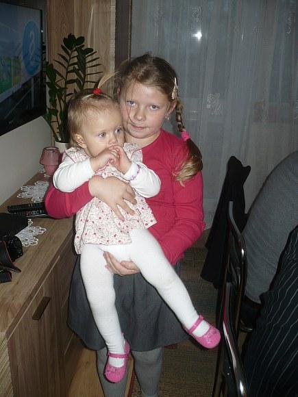 Zuzia z siostrą cioteczną Hanusią