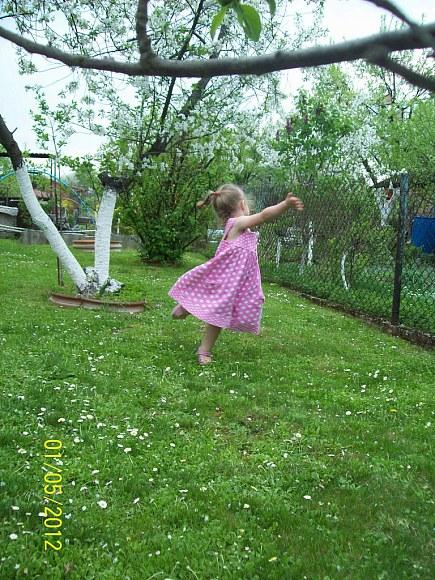 """...tańczy nieśmiało Rusałka"""" :) - 129kB"""