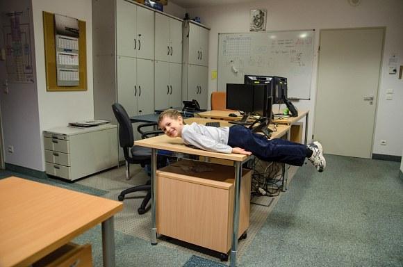 Jakby ktoś nie wiedział co to jest planking: http://pl.wikipedia.org/wiki/Planking - 53kB